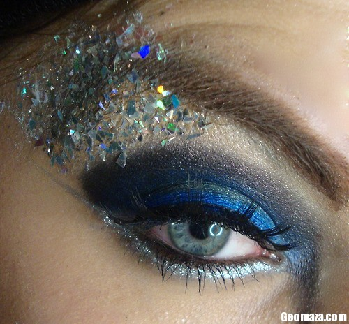 blue-glitter-eyeshadow-eyes-1